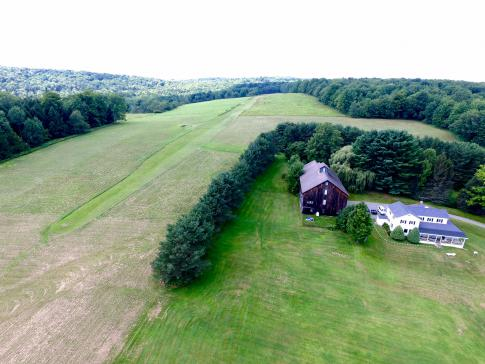 2000 ft Airstrip (8NY3) 93 Acres, Farmhouse, & Barn in Afton, United States (8NY3)