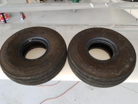 Air Hawk 5.00-5 tires in Boulder, Colorado, United States (KLMO)