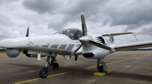 2010 Diamond Aircraft 100 TwinStar for Sale in Netherlands