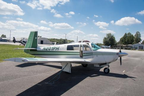 1977 Mooney M20J for Sale in Murfreesboro, Tennessee, United States (KMBT)