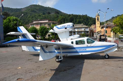 1988 Lake LA-270T Renegade for Sale in Italy (LILY)