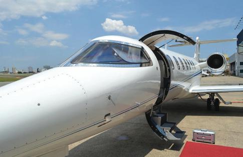 2010 Learjet 40-XR for Sale in Brazil