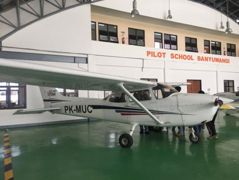 2001 Cessna 172S for Sale in Banyuwangi, East Java, Indonesia (BWX)