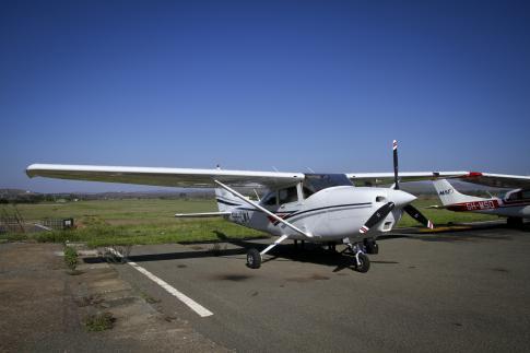 1998 Cessna 182S Skylane for Sale in Arusha, Tanzania (HTAR)