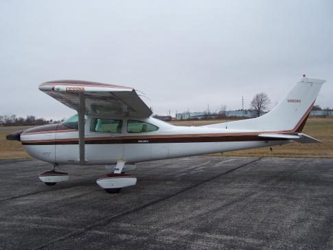 1981 Cessna 182R Skylane for Sale in Bucyrus, Ohio, United States (17G)