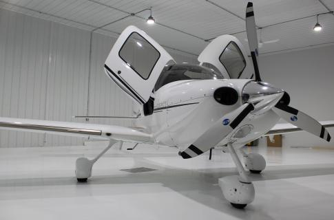 2006 Cirrus SR-22G2 GTS for Sale in ST-MATHIEU DE BELOEIL, Quebec, Canada (CSB3)