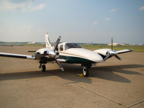 1980 Piper PA-34-220T Seneca II for Sale in Philadelphia, Pennsylvania, United States (KPNE)